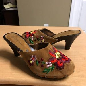 Beverly Feldman Embroidered Mule Pumps 8